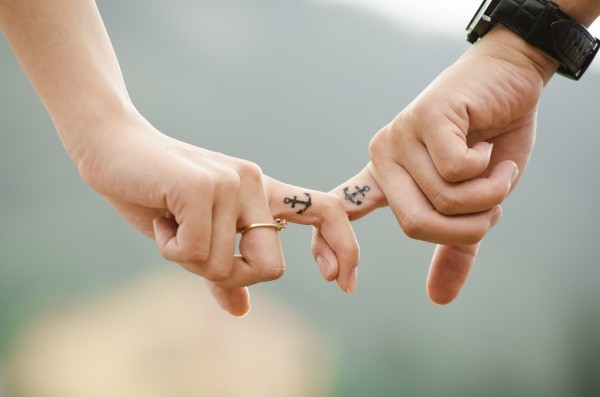 hands-love-couple-together-fingers-people-family